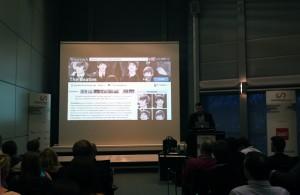 """Markus Franz, Sucomo spricht auf dem ConventionCamp 2012 in Hannover über die Zukunft der Wikipedia. Foto von Franz Betz, <a href=""""https://creativecommons.org/licenses/by-sa/3.0"""">CC-BY-SA-3.0</a>, via Wikimedia Commons"""