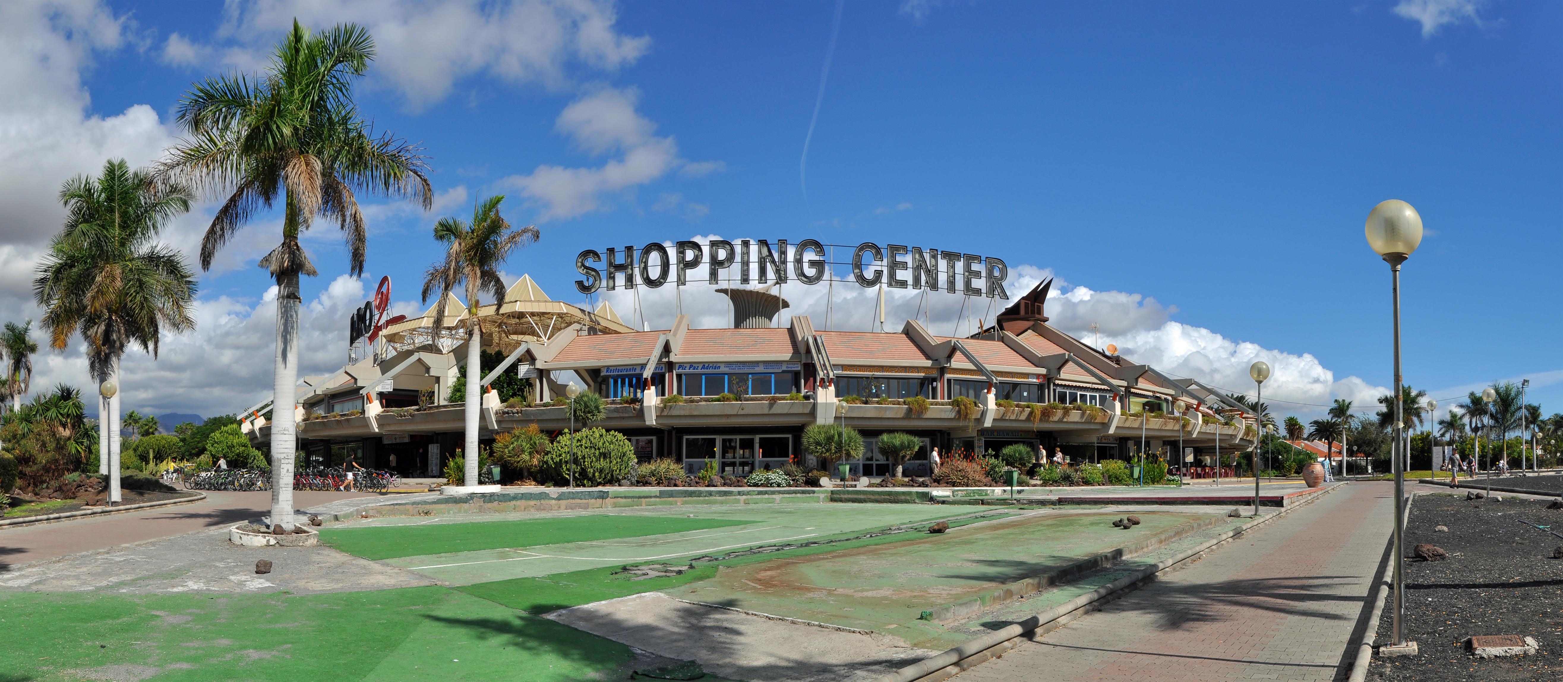 "Shopping Center ""Faro 2"" in Maspalomas (Gran Canaria). Foto: Marc Ryckaert (MJJR), CC-BY-3.0"