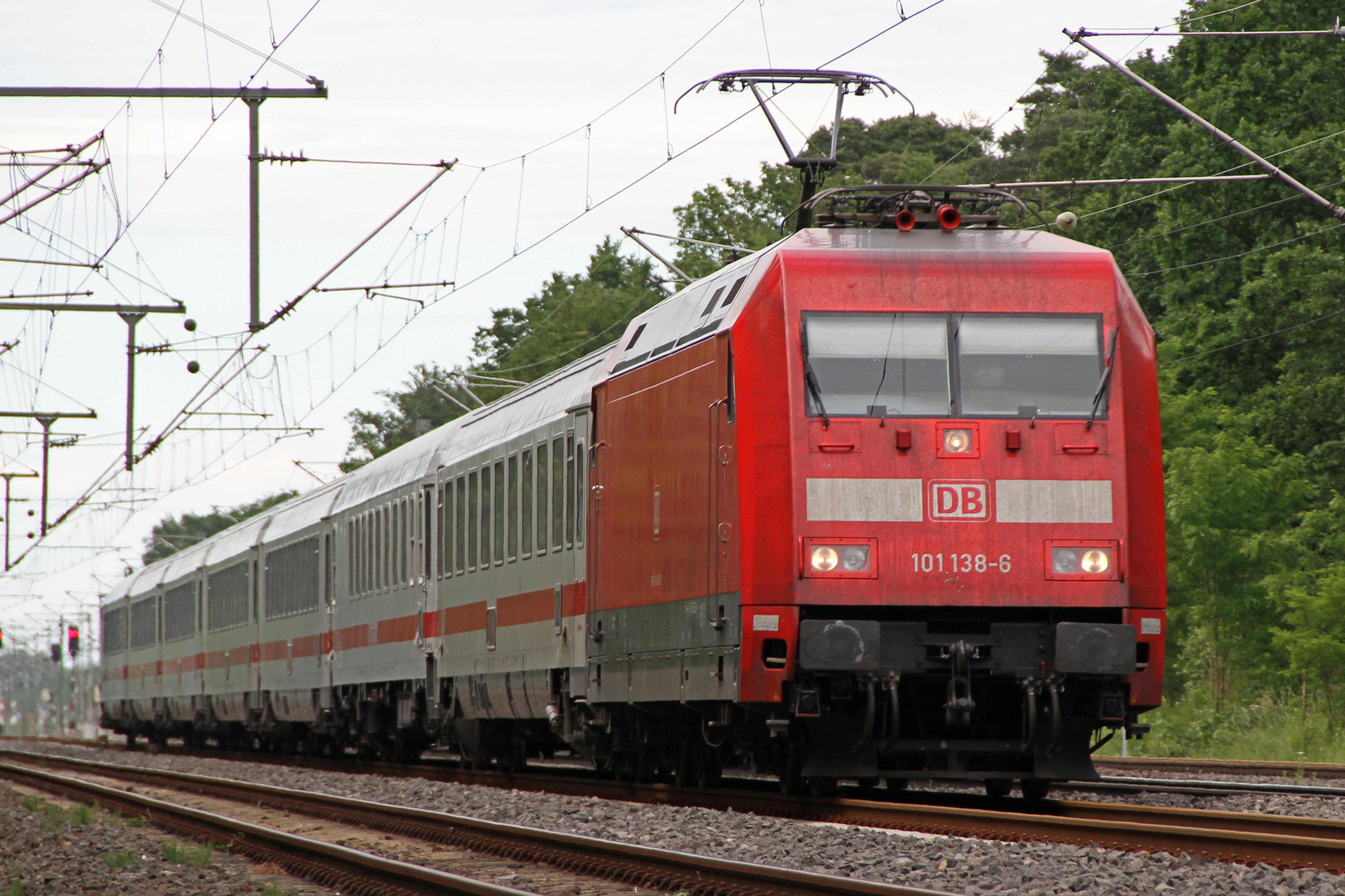 DBAG-Baureihe 101, Elektrolokomotive der Baureihe 101.1, Bombardier TRAXX. Foto: Peter Stehlik (= PS-2507 ). Lizenz: CC BY-SA 3.0